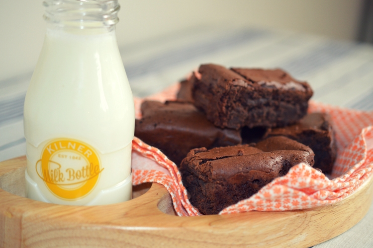 The ultimate brownie recipe / chocolate brownie / SHE-EATS